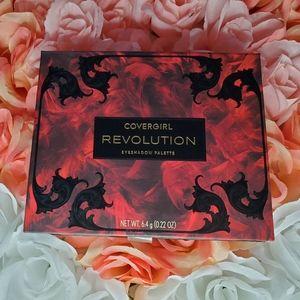 COVERGIRL Revolution Pallette